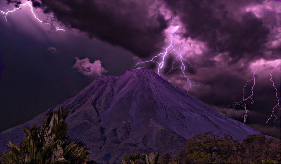 火山の画像